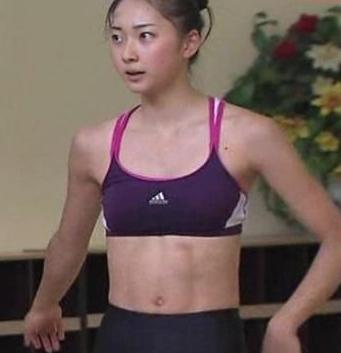 【新体操】畠山愛理の彼氏はかわいいKかバレーのY?私服や腹筋が美し過ぎる?